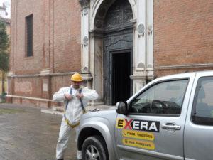 Operatore Exera presso Chiesa S.Maria in Vado per bonifica da guano di piccione