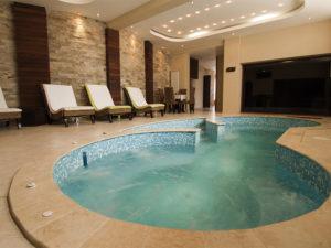 Il batterio della Legionella in generale è presente in piscine, terme o negli ambienti acquatici naturali
